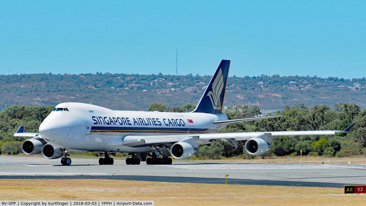 9V-SFP, 2005 Boeing 747-412F/SCD C/N 32902, Boeing 747-412F. SQC 9V-SFP lining up runway 03 YPPH 03/03/18.
