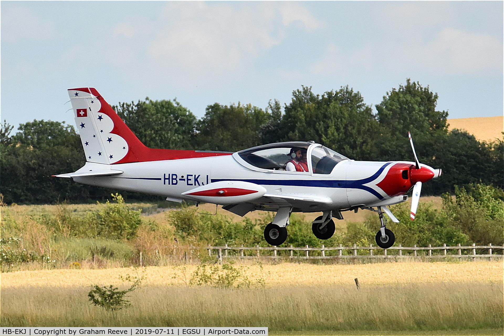 HB-EKJ, 1986 SIAI-Marchetti F-260D C/N 735/41-005, Landing at Duxford.