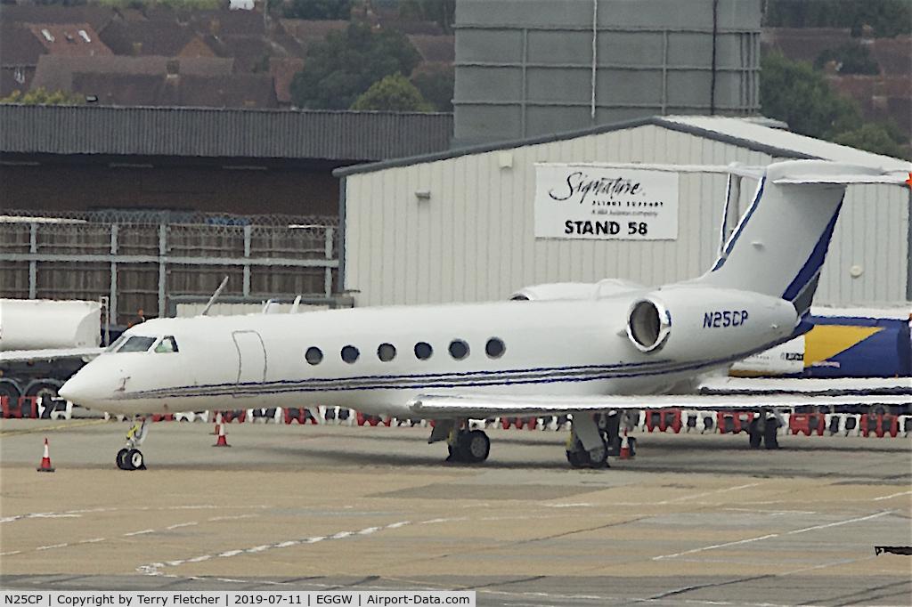 N25CP, 1997 Gulfstream Aerospace G-V C/N 527, at Luton