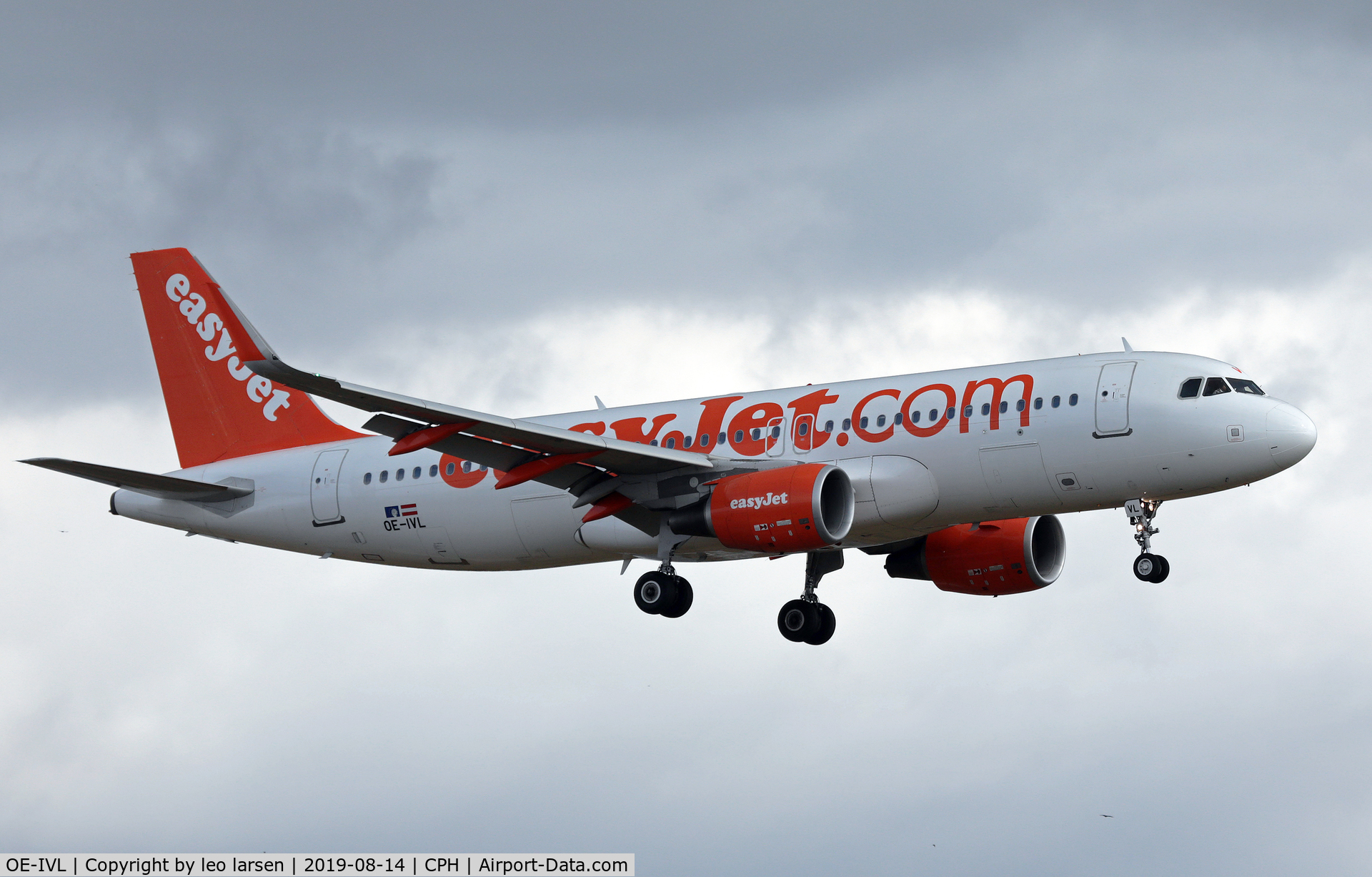 OE-IVL, 2014 Airbus A320-214 C/N 6188, Copenhagen 14.8.2019 on final to R-22L