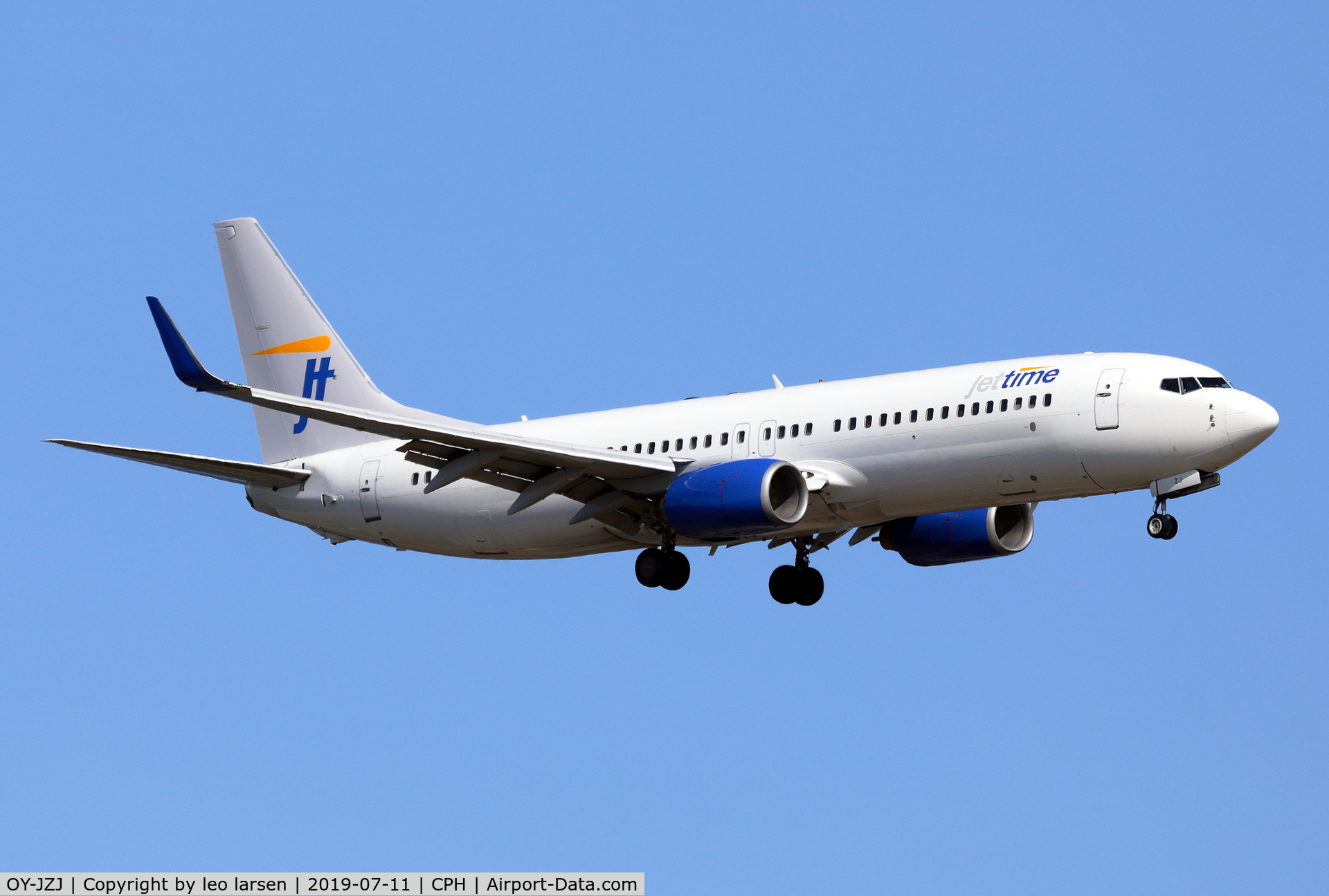OY-JZJ, 2003 Boeing 737-82R C/N 30658, Copenhagen 11.7.2019 on final to R-22L