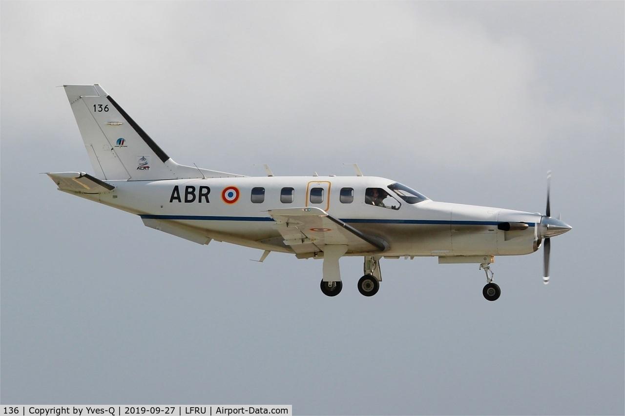 136, Socata TBM-700B C/N 136, Socata TBM-700B, On final rwy 23, Morlaix-Ploujean airport (LFRU-MXN) Air show 2019