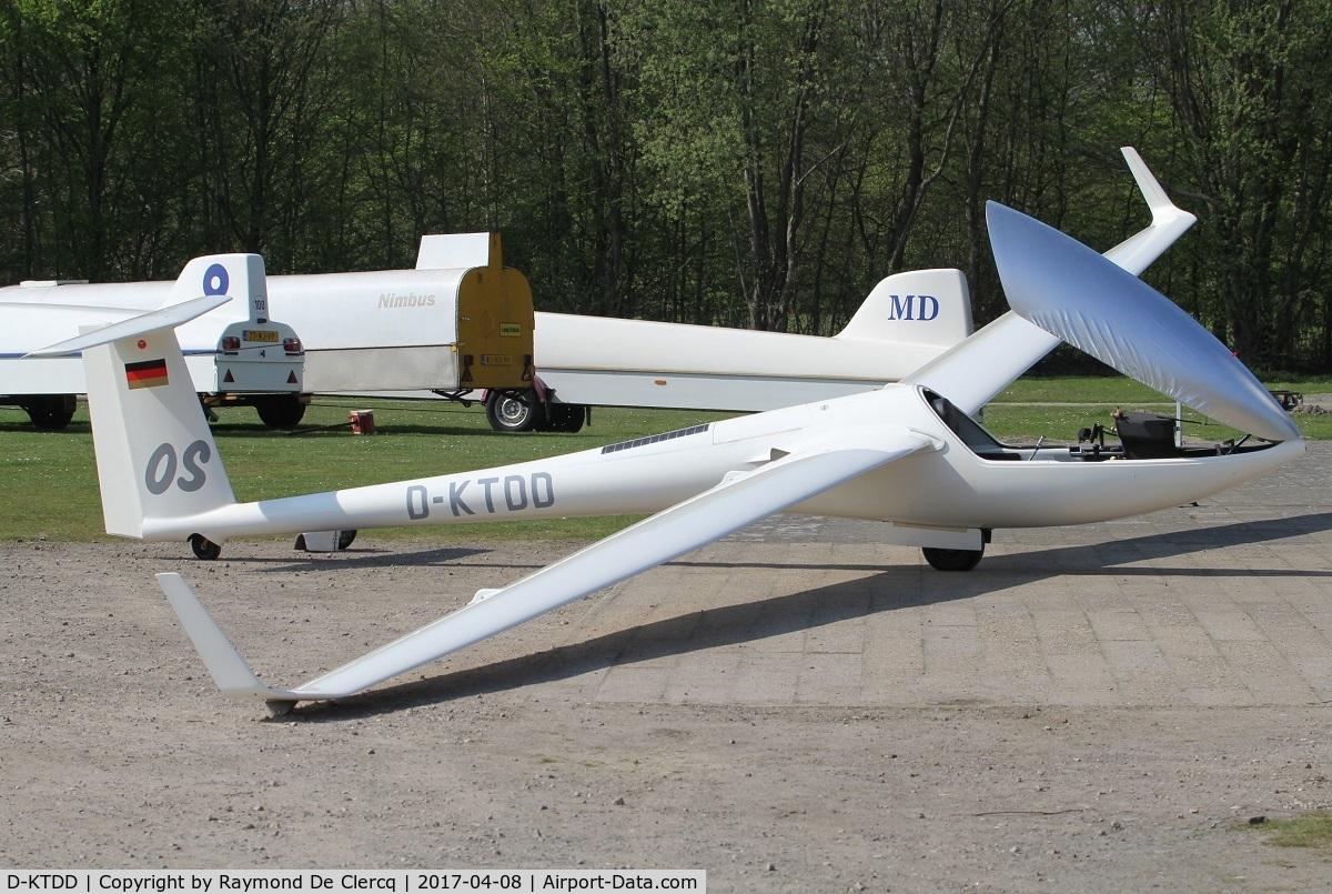 D-KTDD, 1995 Glaser-Dirks DG-800LA C/N 8-52A34, At Axel, the Netherlands.