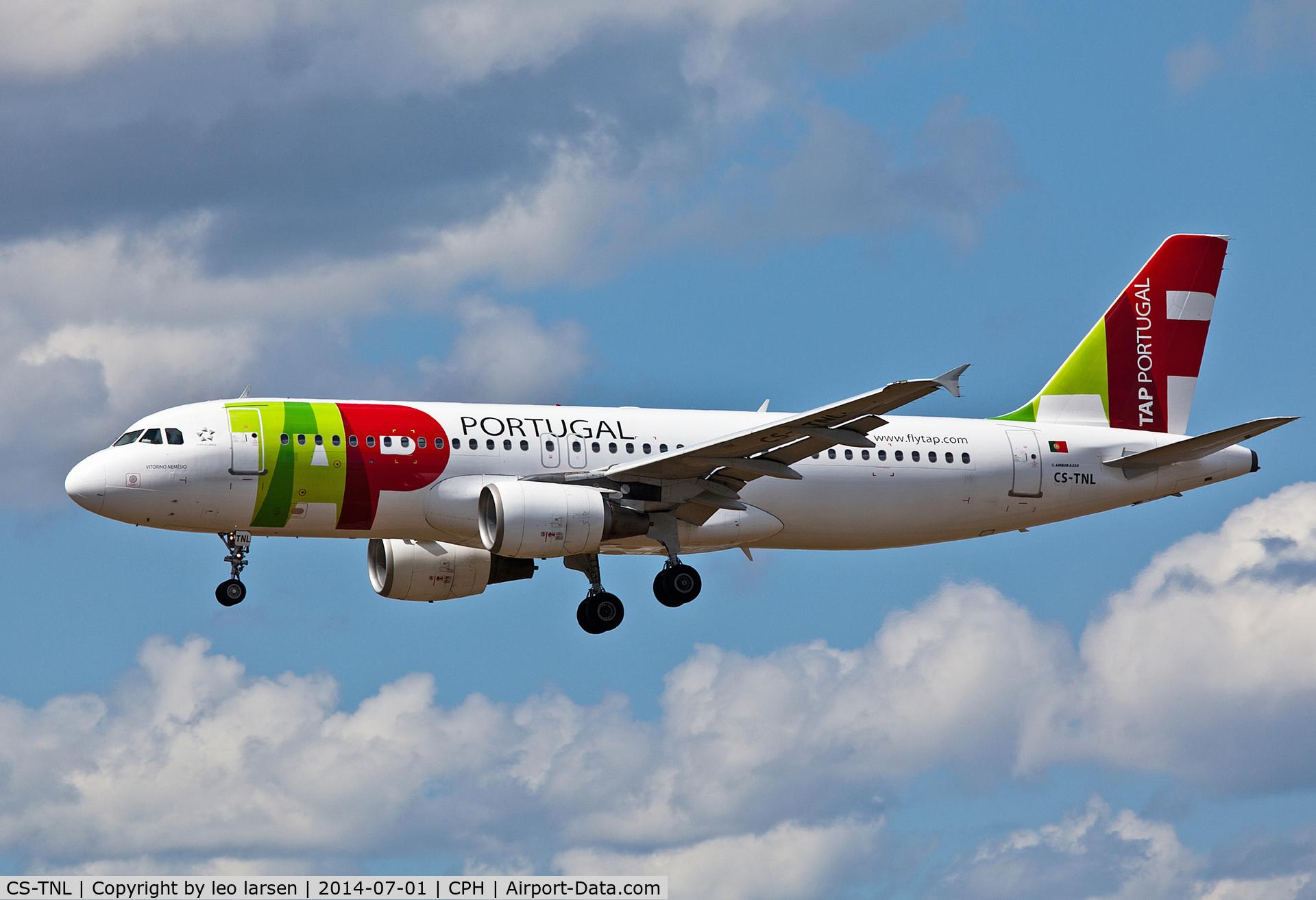 CS-TNL, 2000 Airbus A320-214 C/N 1231, Copenhagen 1.7.2014