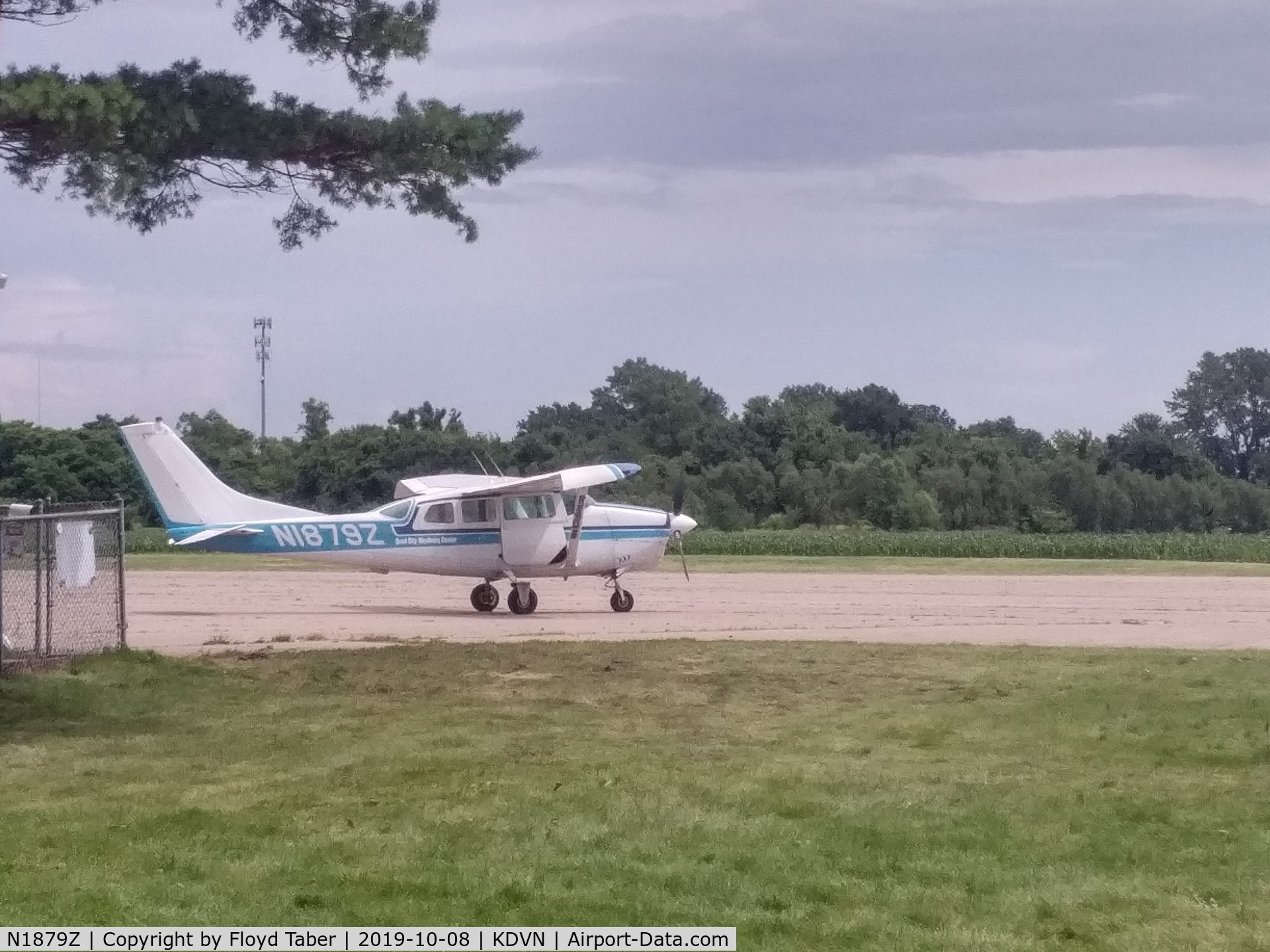 N1879Z, 1962 Cessna 210-5A(205A) C/N 205-0079, At the CAP Ramp at Davenport