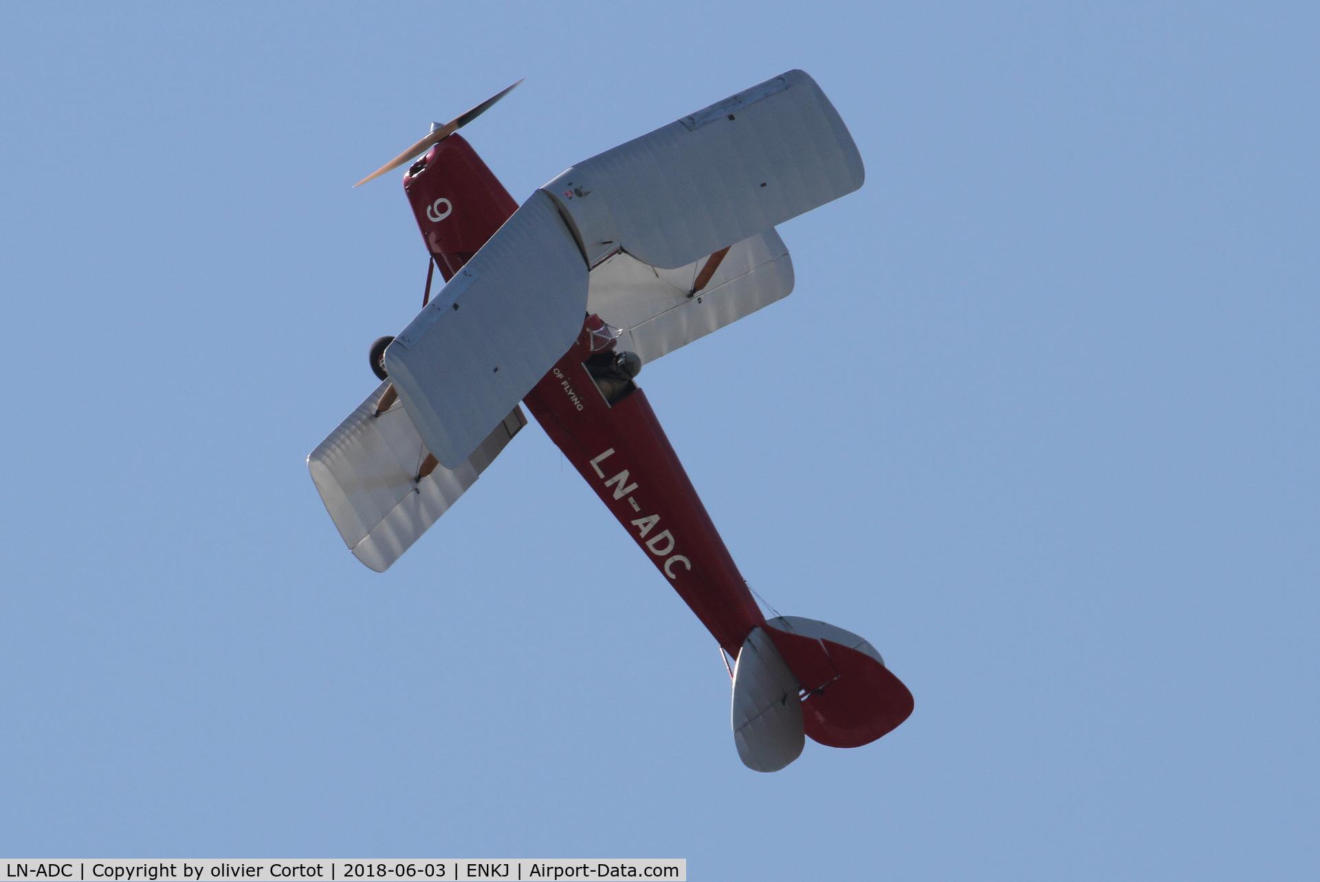 LN-ADC, 1935 De Havilland DH-82A Tiger Moth II C/N 3318, 2018 airshow