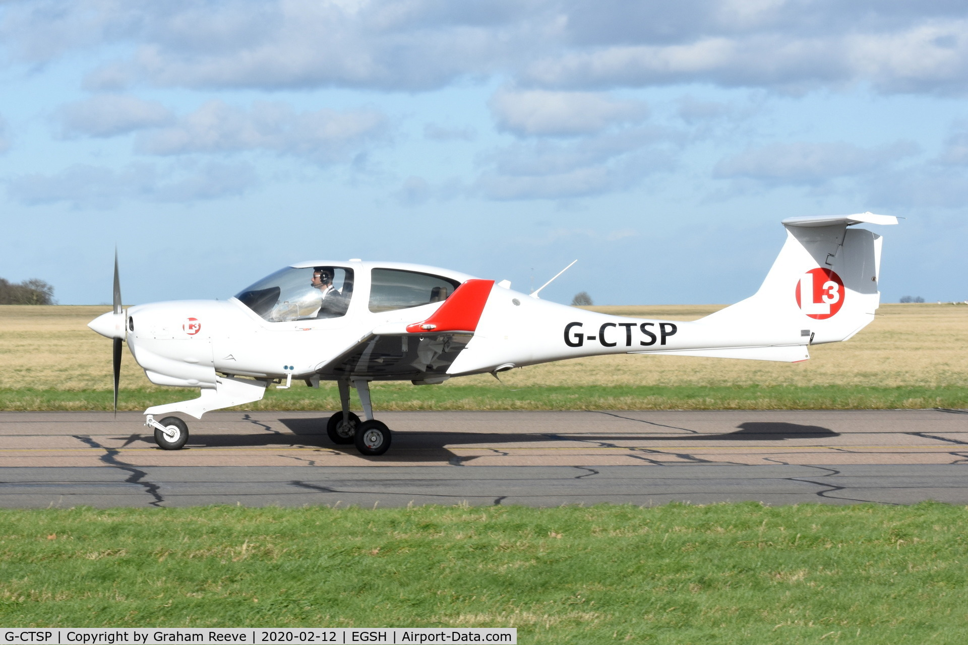 G-CTSP, 2016 Diamond DA-40NG Diamond Star C/N 40.N309, Just landed at Norwich.