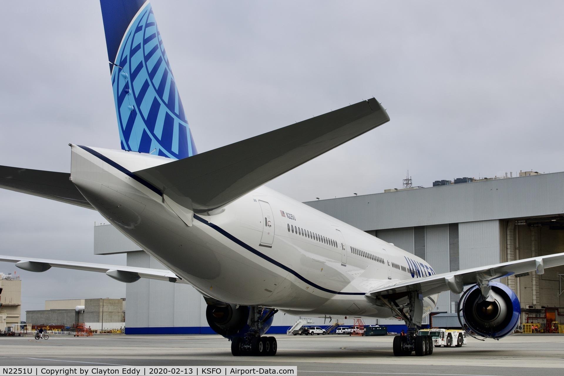 N2251U, 2020 Boeing 777-300/ER C/N 66591, SFO 2020.