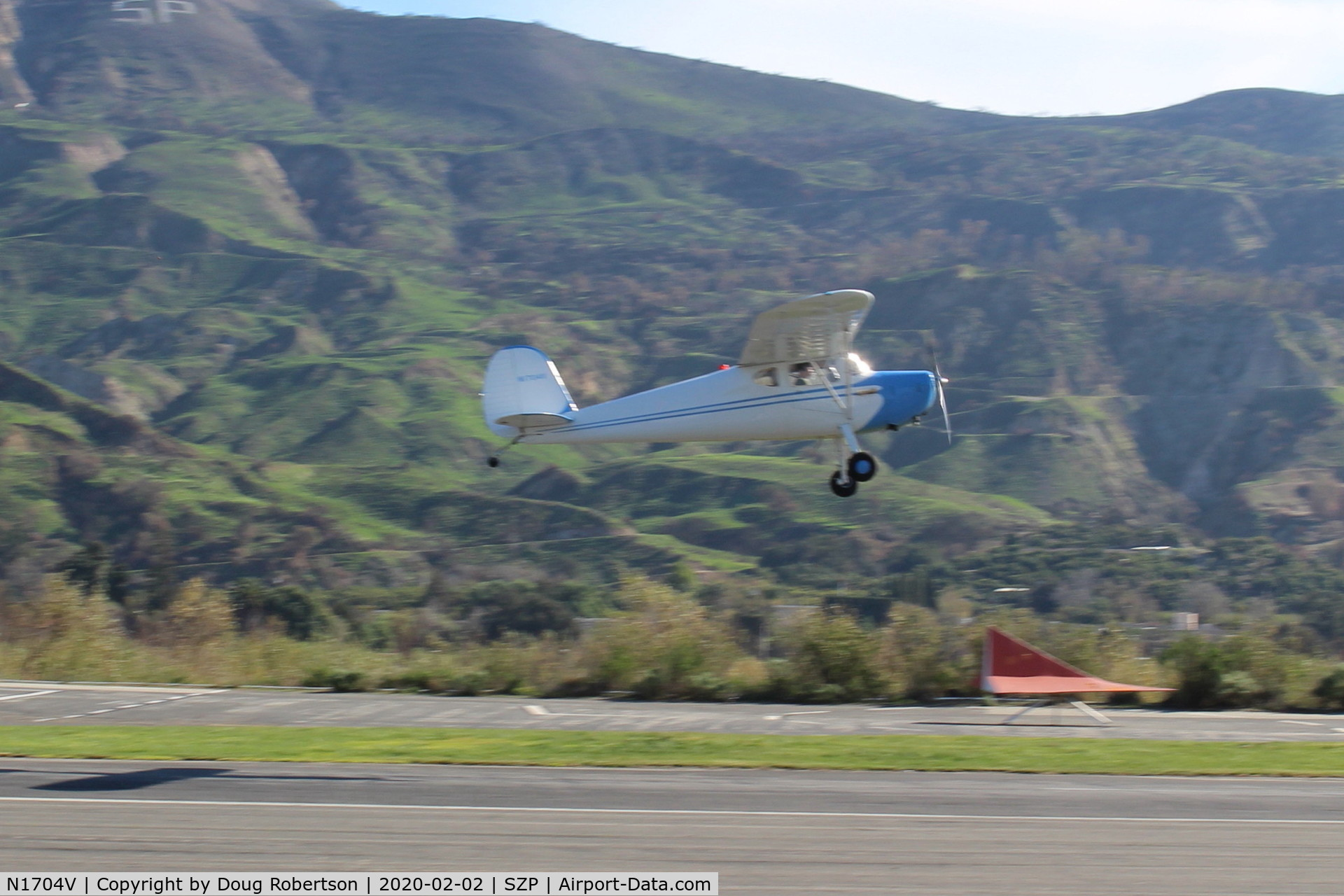 N1704V, Cessna 140 C/N 13889, 1948 Cessna 140, Continental C-85-12 85 Hp, another takeoff climb Rwy 22
