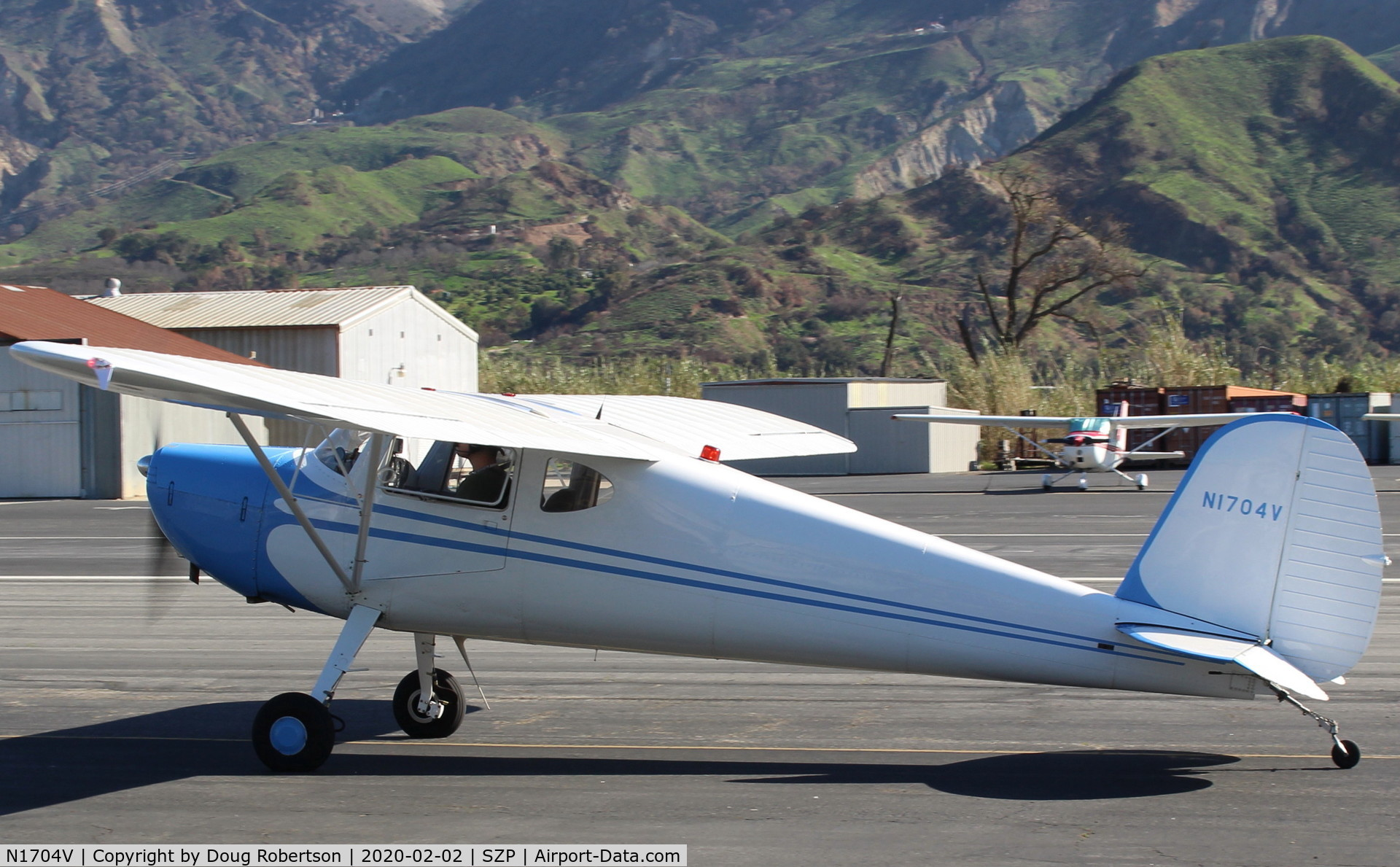 N1704V, Cessna 140 C/N 13889, 1948 Cessna 140, Continental C-85-12 85 Hp, taxi to Rwy 22