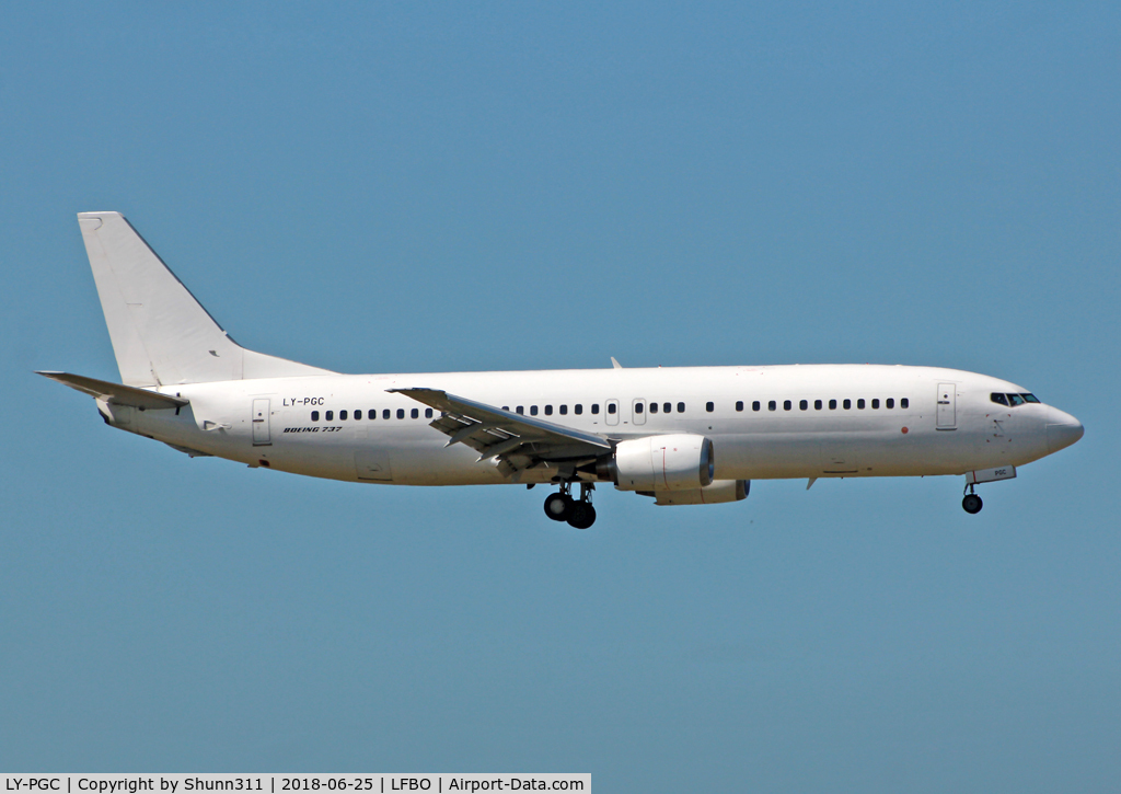 LY-PGC, 1992 Boeing 737-4S3 C/N 25596, Landing rwy 32L in all white c/s without titles... Tunisair summer lease 2018