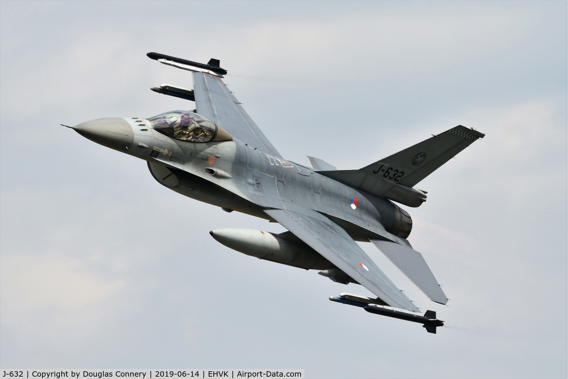 J-632, General Dynamics F-16A Fighting Falcon C/N 6D-64, Departing Volkel AB as part of the air power demo