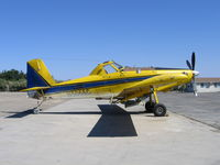 N5066C @ F34 - Robinson Ag Spray 1997 Air Tractor AT-802 with spreader at Firebaugh, CA