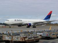 N112DL @ SEA - Delta Airlines Boeing 767 at Seattle-Tacoma International Airport - by Andreas Mowinckel