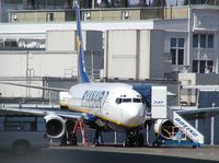 EI-DAN @ BFI - Ryanair 737 at Boeing Field - by Andreas Mowinckel