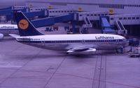 D-ABHW @ DUS - LH's old livery in June 1988 - by Micha Lueck