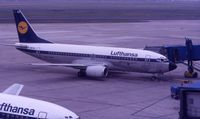 D-ABXD @ DUS - LH's old livery in June 1988 - by Micha Lueck