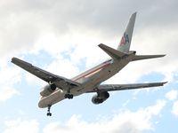 N173AN @ LAS - American Airlines / 2002 Boeing 757-223 - by SkyNevada
