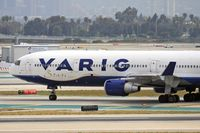 PP-VTJ @ LAX - Close-up of Varig PP-VTJ (FLT VRG8836) on taxiway Tango, about to cross RWY 25R, after arrival on RWY 25L from Guarulhos Int'l (SBGR) - Sao Paulo, Brazil.