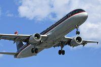 N166US @ LAX - US Airways N166US (FLT USA21) from Philadelphia Int'l (KPHL) on final approach to RWY 24R. - by Dean Heald