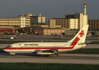 CS-TES @ LIS - TAP Air Portugal Boeing 737-200 landing at LIS - by Yakfreak - VAP