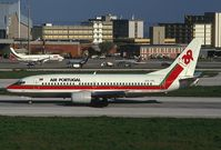 CS-TIC @ LIS - TAP Air Portugal Boeing 737-300 landing at LIS - by Yakfreak - VAP