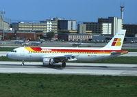EC-FBS @ LIS - Iberia Airbus 320