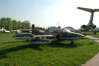 68-7916 @ KRK - Air Force - by Artur Bado?
