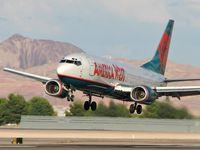 N305AW @ KLAS - America West / 1988 Boeing 737-3G7