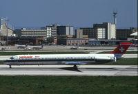 HB-INT @ LIS - Swissair MD80