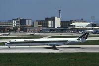 I-DAWI @ LIS - Alitalia MD80