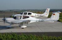 D-EARH @ ZQW - Diamond Aircraft DA 40TDI Diamond Star - by Volker Hilpert