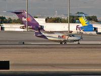 N985FE @ KLAS - Federal Express - 'FedEx' / 1988 Cessna 208B - (Super Cargomaster)