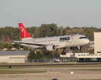 N352NW @ DTW - landing