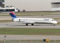 N937DL @ DTW - Going to Atlanta - by Florida Metal
