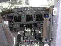 N168AT @ MCO - cockpit