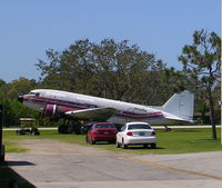 N600NA @ 7FL6 - Largest plane at Spruce Creek