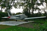 N7150P @ N05 - Beautifully turned out 1960 Comanche rests at home in Hackettstown. - by Daniel L. Berek
