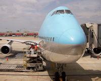 HL7402 @ ATL - Boeing 744