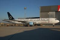 OE-LAY @ VIE - Austrian Airlines Boeing 767-300 in Star Alliance colors - by Yakfreak - VAP