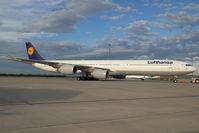 D-AIHE @ VIE - Lufthansa Airbus 340-600