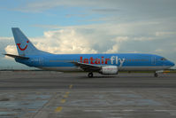 OO-TUA @ VIE - Jetairfly Boeing 737-400