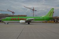 OO-TUM @ VIE - Jet4you.com Boeing 737-400