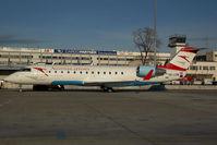 OE-LCM @ VIE - Austrian Arrows Regionaljet