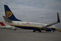 EI-DAD @ VIE - Ryanair Boeing 737-800