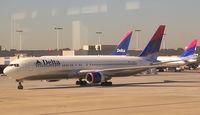 N135DL @ ATL - Delta 767-300