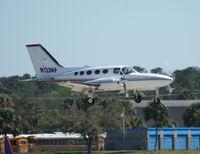 N123NP @ DAB - Cessna 421