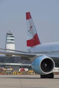 OE-LPA @ LOWW - 777 with VIE tower.