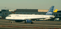 N564JB @ JFK - Absolute Blue Taxiing in from 31R
