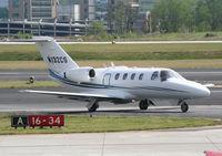 N132CS @ PDK - Taxing to Runway 2R - by Michael Martin